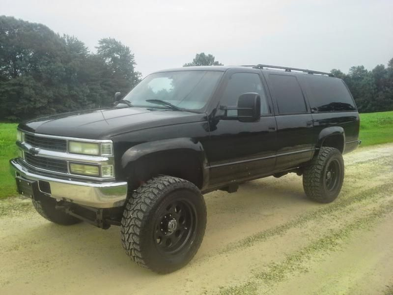 Lifted K2500 3 4 Ton Turbo Diesel Suburban Very Nice Pirate4x4 Com 4x4 And Off Road Forum Chevy Suburban Chevrolet Suburban Custom Muscle Cars