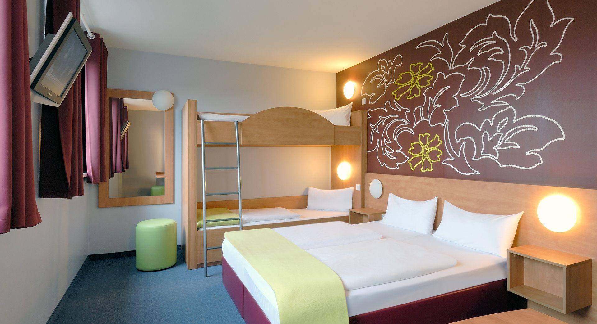 Familienzimmer für 4 Personen im B&B Hotel München City-Nord ...