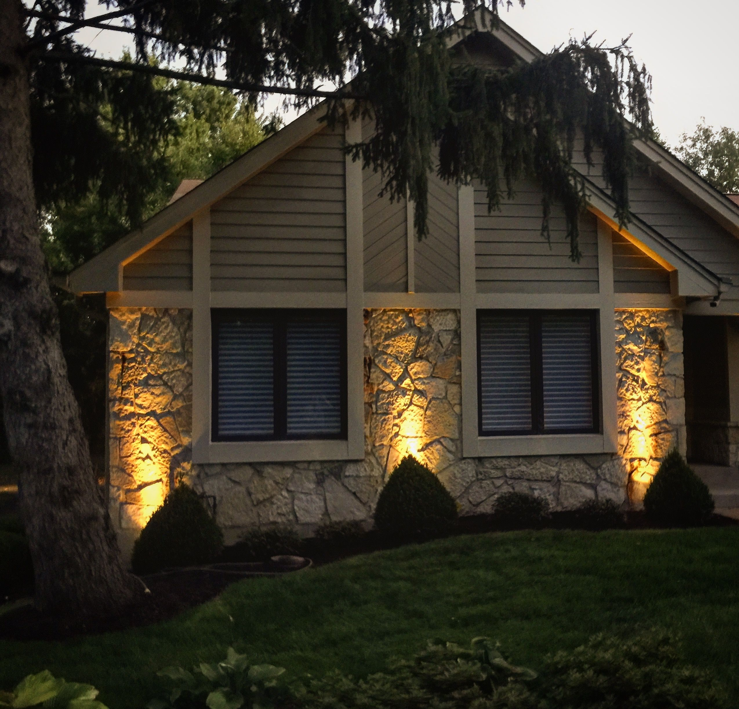 Beautiful Outdoor Lighting Love This Wall Wash Outdoor Lighting Design By Lorraine Lighting Irrigation 314 368 6548 St L Outdoor Lighting Design