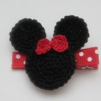 High quality and stylish hand crocheted mouse hair clip with sweet red bow. Perfect to wear to one side or add to pony tail, hat or headbands. Available on partially lined double prong alligator clip. No slip grip can be added on request at no extra cost.   All of our items are of boutique qual...