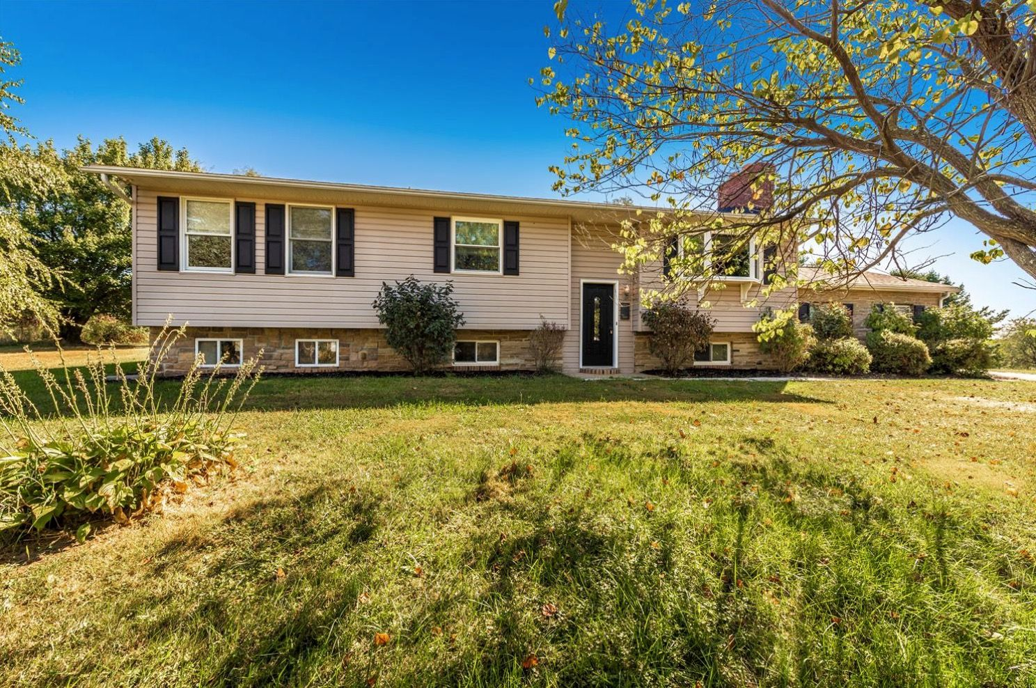 Nathalie Moffatt Of Long Foster Real Estate Offers 6555 Woodbine Road Woodbine Md 21797 New Price Come See Home Warranty Woodbine Morning Room Addition