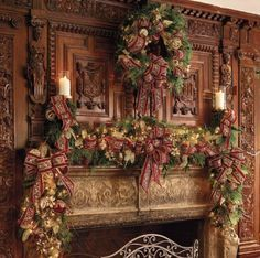 Genial Christmas   Elegant Carved Wood Of A Bygone Age Graces The Mantle