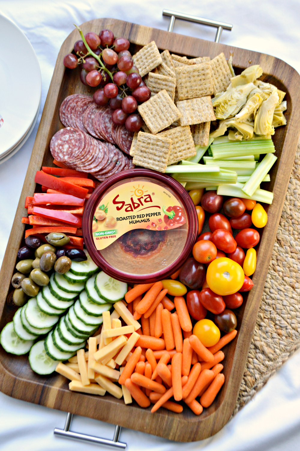 Simple Antipasto Hummus Platter #appetizersforparty