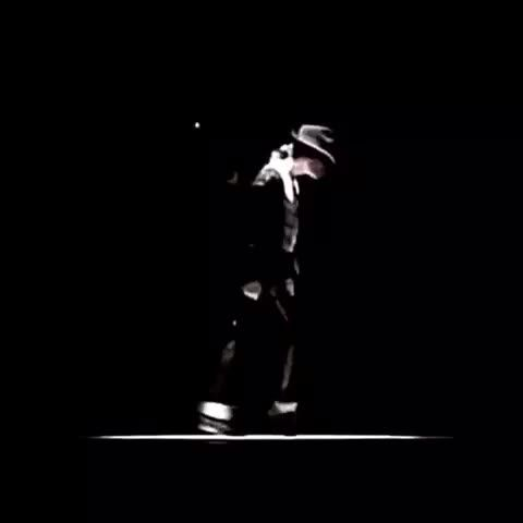 #moonwalk #dance #moonwalks #cool #omg #kingofpop #michaeljackson #mjforever #billiejean #dancevine