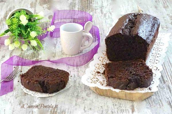 Plumcake al cioccolato fondente http://www.ilcuoreinpentola.it/ricette/plumcake-al-cioccolato-fondente/