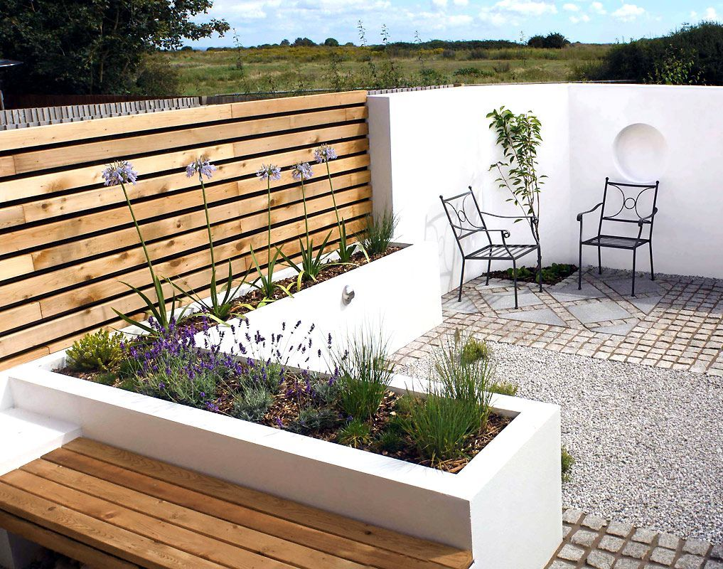 Contemporary garden design small gardens modern garden for Contemporary gardens