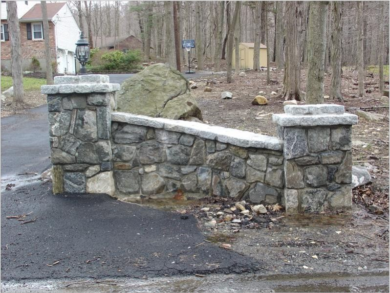 Stone Entrance Pillars : Click to close image and drag move use arrow