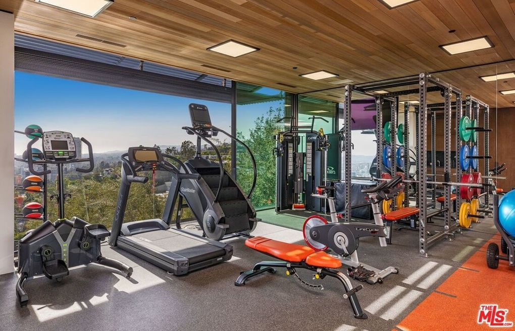 1301 Collingwood Pl Los Angeles Ca 90069 In 2020 Future House Modern Minimalist House Home Gym Design