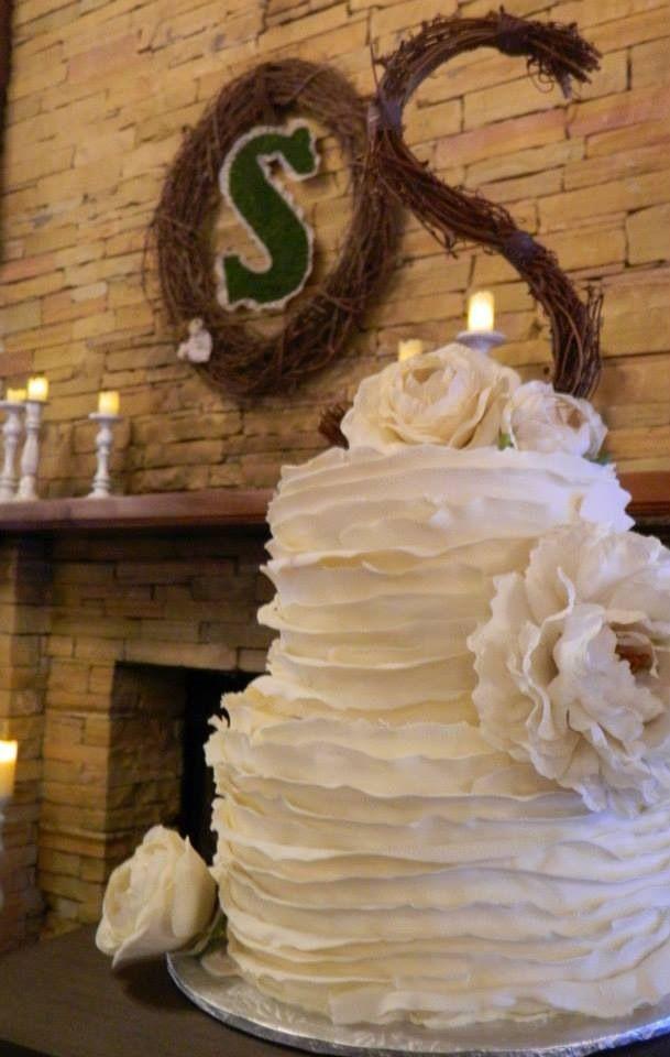 Wedding Cake By Starla Ross Ruffle Wedding Cake Vintage Rustic Shic Jsmithwed Wreath Made By