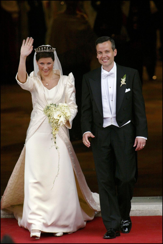49 Iconic Wedding Dresses Worn by Royal Brides Royal