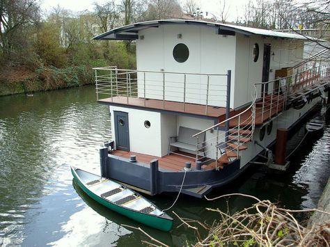 Hausboot in Mitte Hamburg mit Kanus direkt am Wasser statt Einzelhaus mit Garten Barmbek Süd