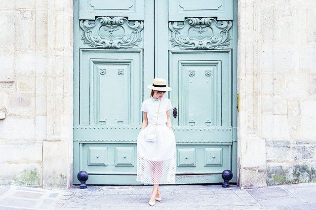 These Are the Most Instagrammable Spots in Paris - Colorful doors on Ile Saint-Louis  sc 1 st  Pinterest & These Are the Most Instagrammable Spots in Paris | City ...