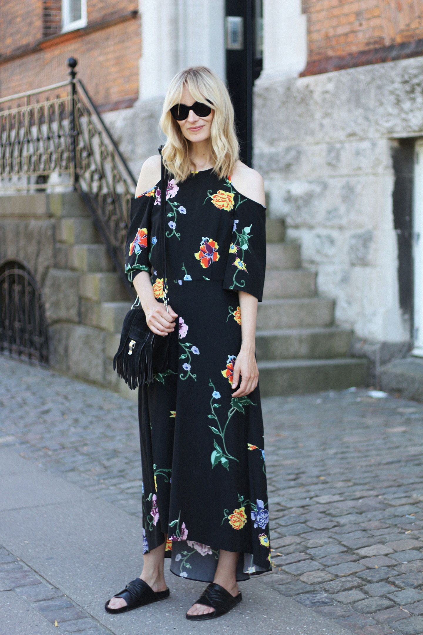 OOTD: Blame It On Fashion Mixes Classic Black with Fresh Florals #RueNow