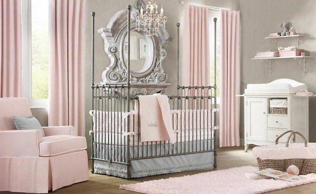 chambre-bébé-fille-rose-gris-lit-métallique-tapis-tose-pâle-fauteuil