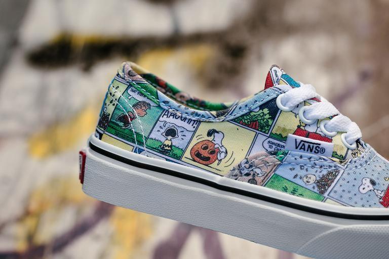 e79ca5fe6522 Product Name  Vans x Peanuts Authentic  Comics  Kids VA38H3QQ2  Specifications  Vans and