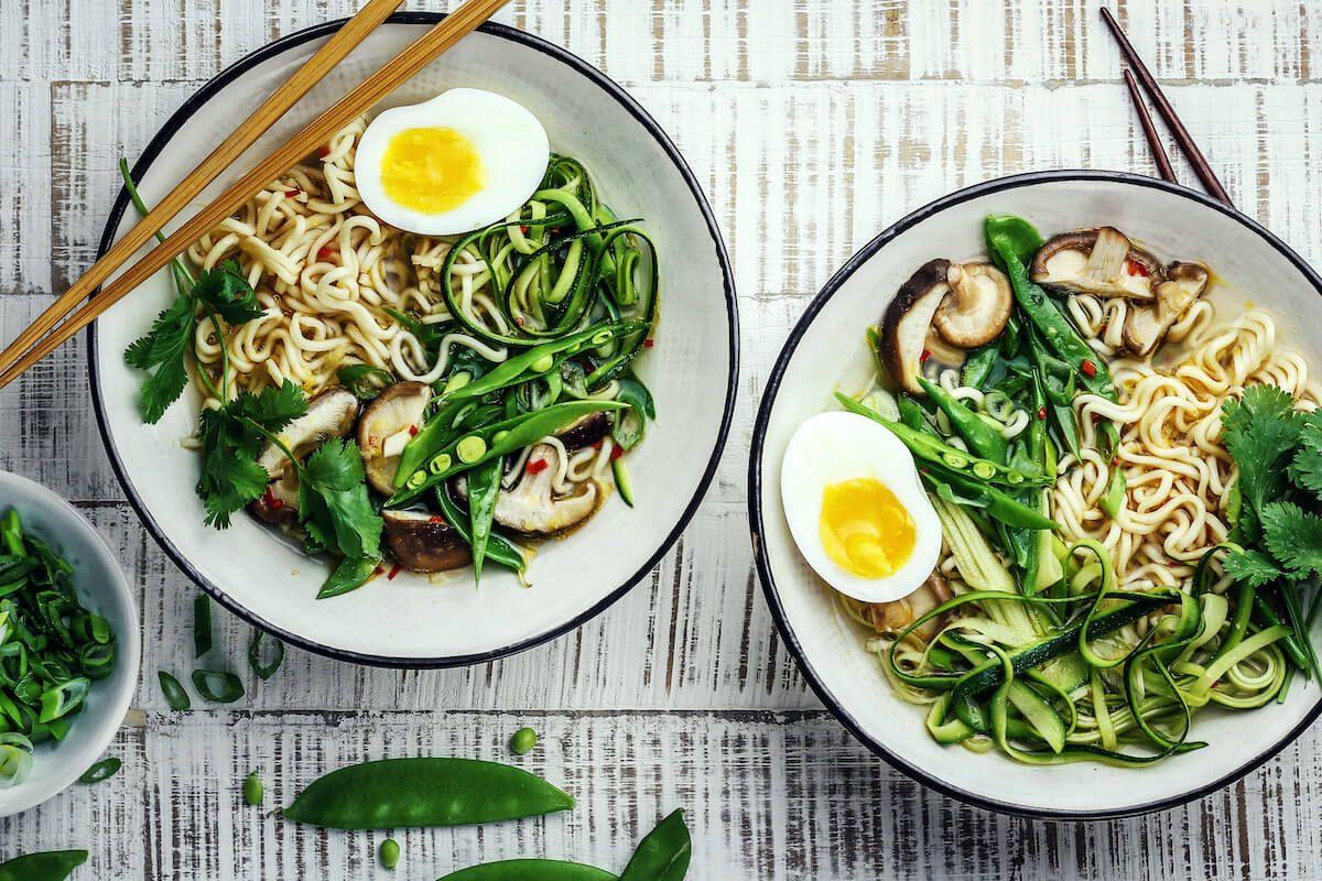 Frühlingshafte Ramen-Suppe
