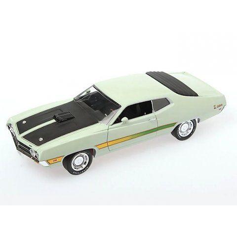 Ford Torino Cobra 1971 (Ertl / Auto World) scale 1:18