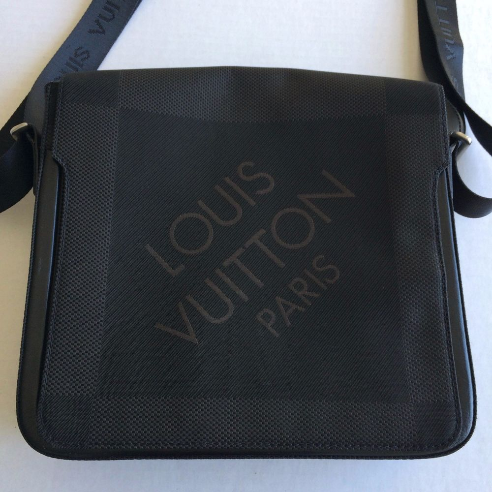 e16a4b706c13 Authentic Louis Vuitton Damier Geant Petit Messenger Bag Black Canvas  Crossbody  LouisVuitton  MessengerShoulderBag