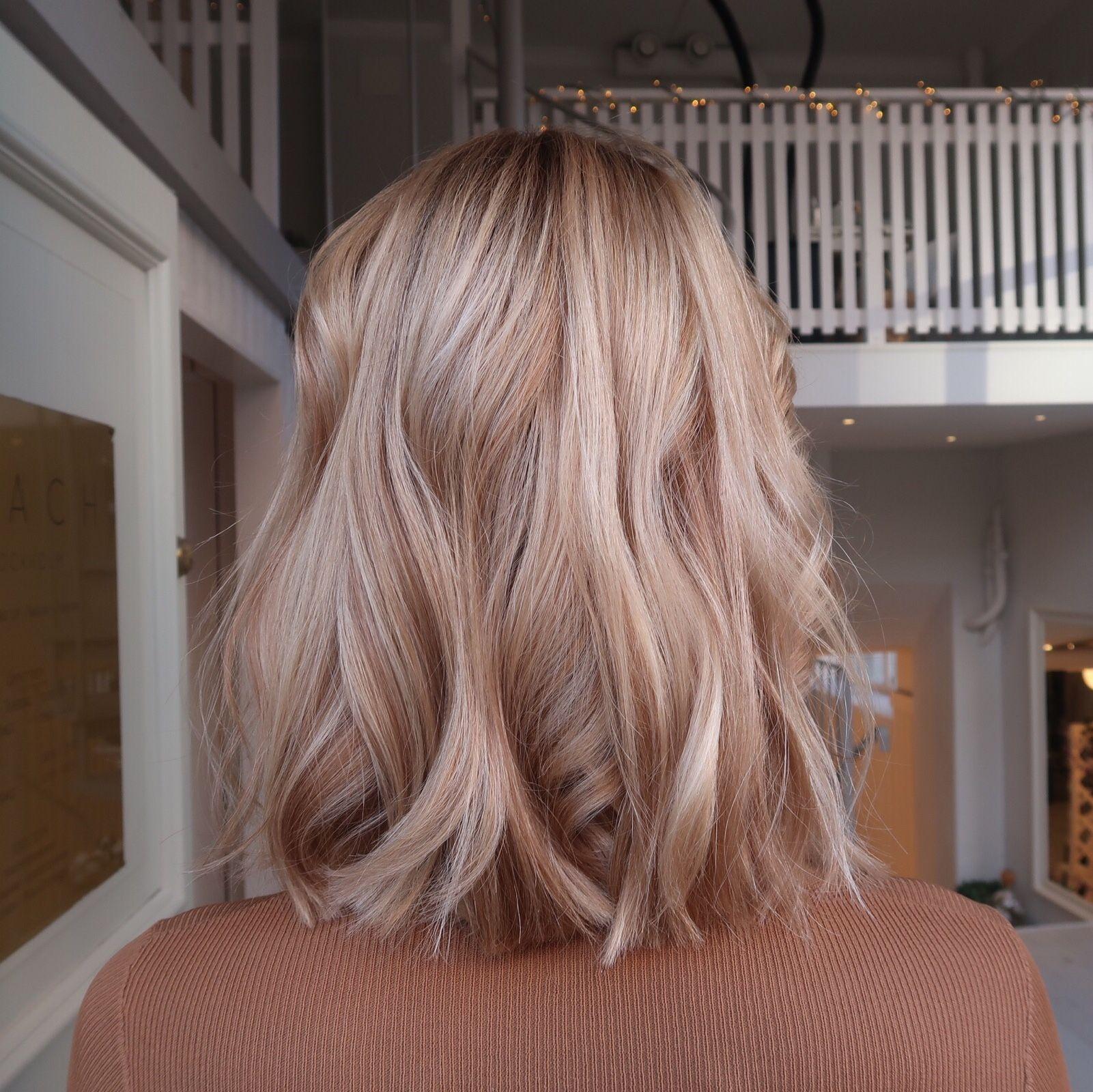 Karamell - honungs - blond med kontraster stockhol
