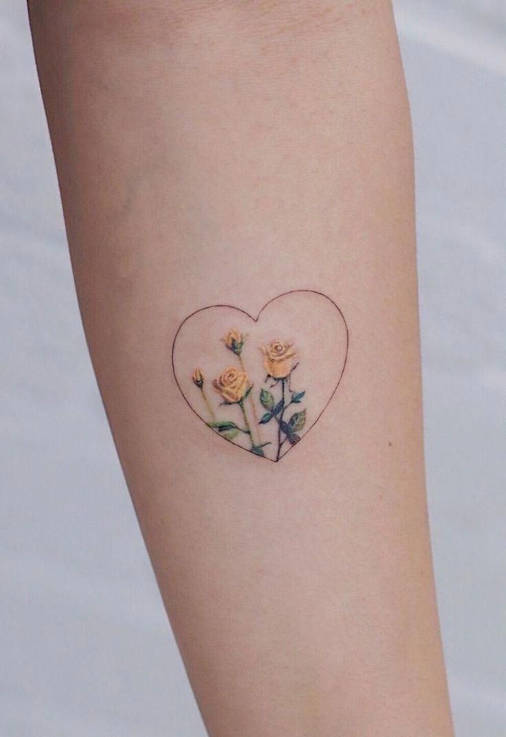 37 Cute and Beautiful Small Tattoo Ideas for Women - Noze Starctic