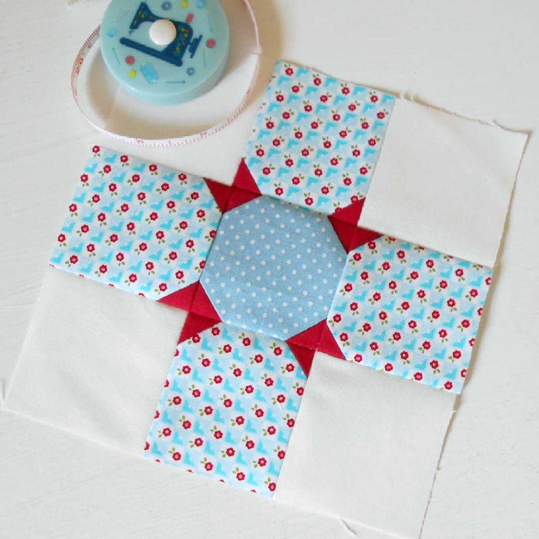 The Splendid Sampler - Block 64 'Rising Star'.   A lovely patchwork block that relies on accurate cutting and stitching.