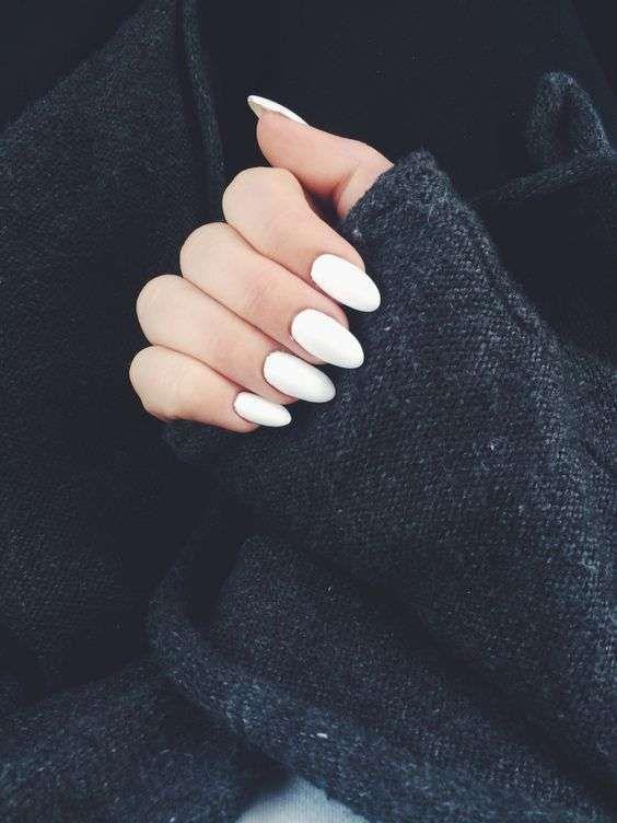 Tendencias uñas 2016: Esmalte blanco - Uñas largas | N A I L S ...