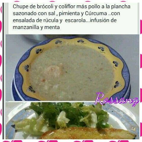 Chupe de Brócoli y coliflor.  Segundo plato filete de pollo con cúrcuma y ensalada.