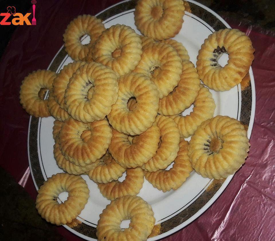 معمول بالطحين هش وزاكي جدا سريع التجهيز زاكي Lebanese Desserts Middle Eastern Desserts Food