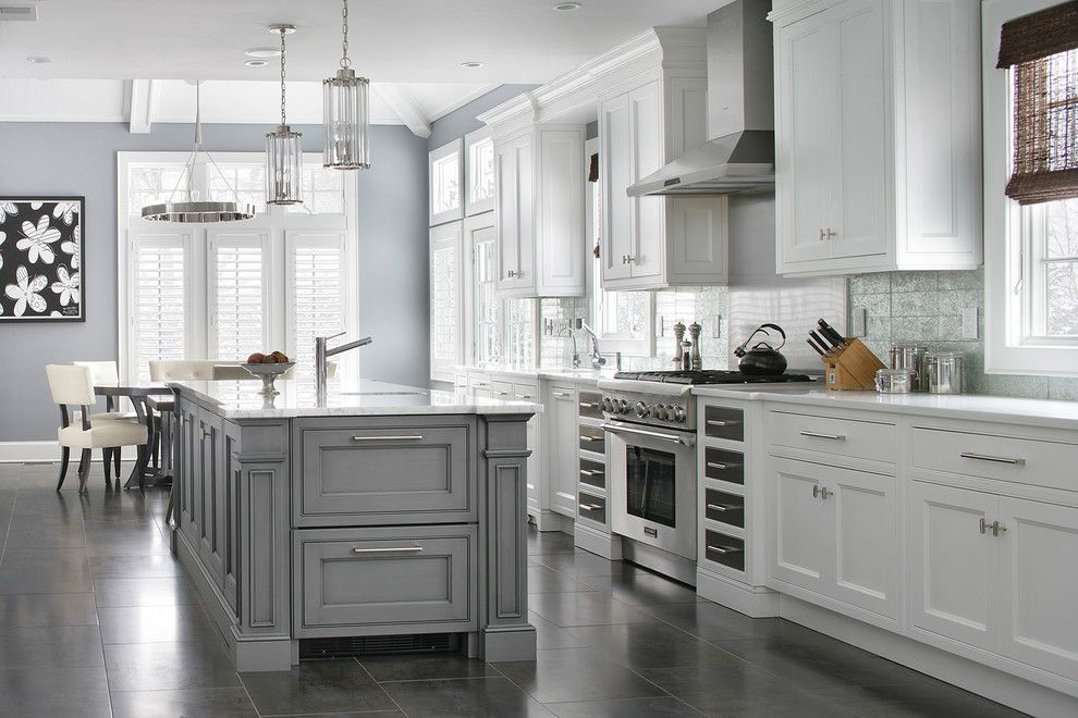 Best Transitional Design Ideas With Chandelier Kitchen Island 640 x 480