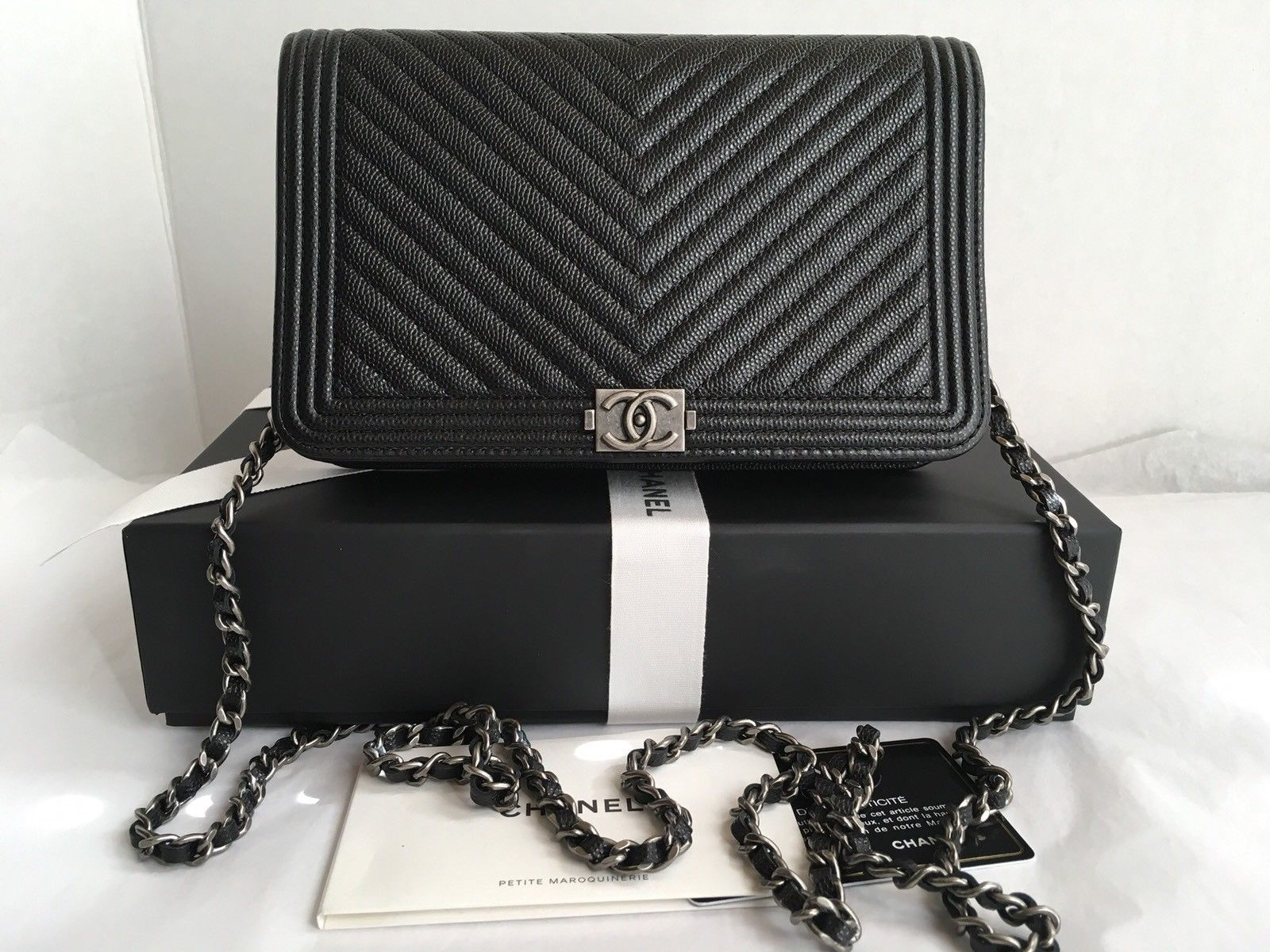 auth bnib chanel boy woc black chevron wallet on a chain. Black Bedroom Furniture Sets. Home Design Ideas