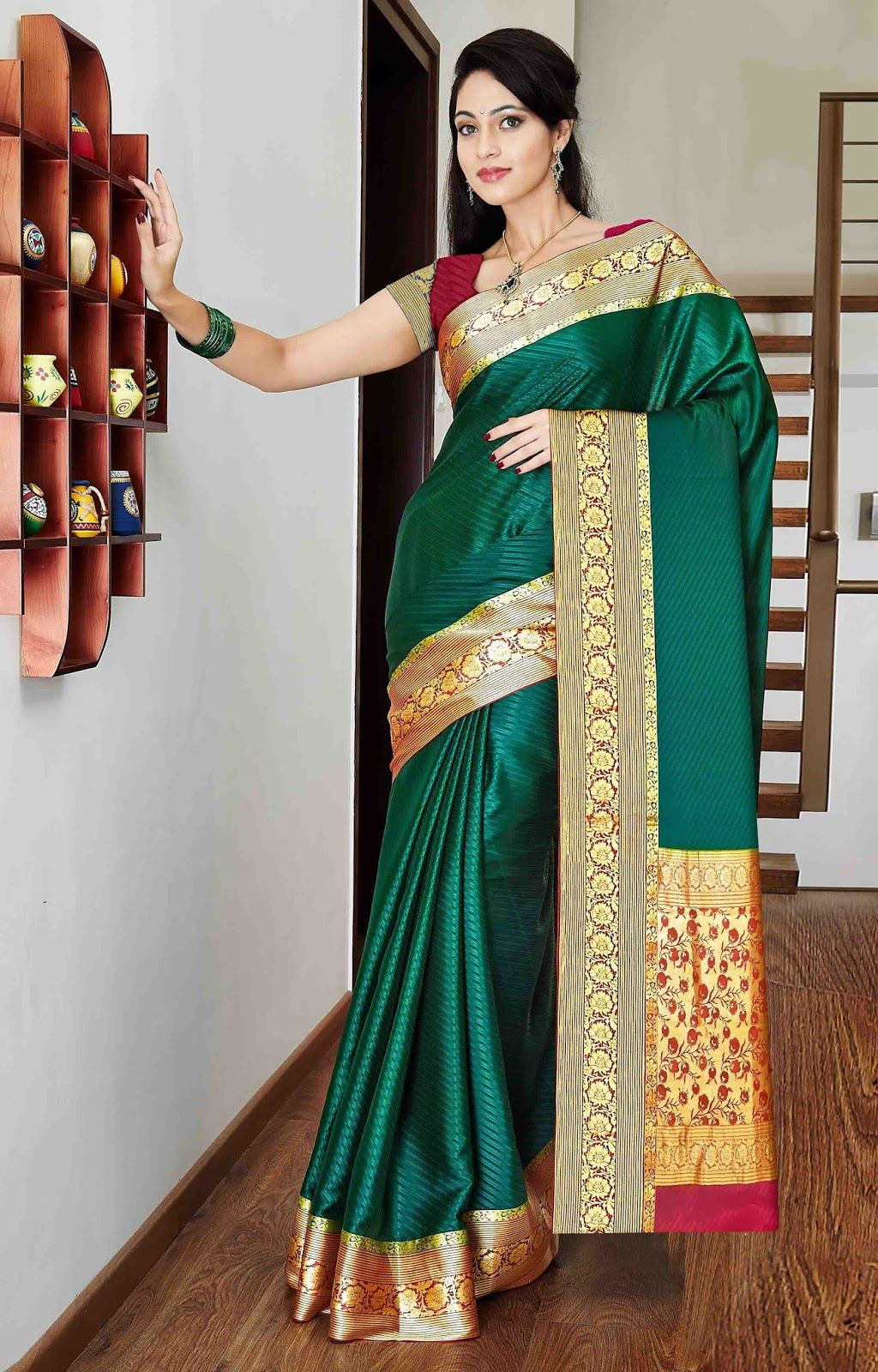 8b149346a87996 Expensive Mysore Silk Saree With Unique Color   Patern