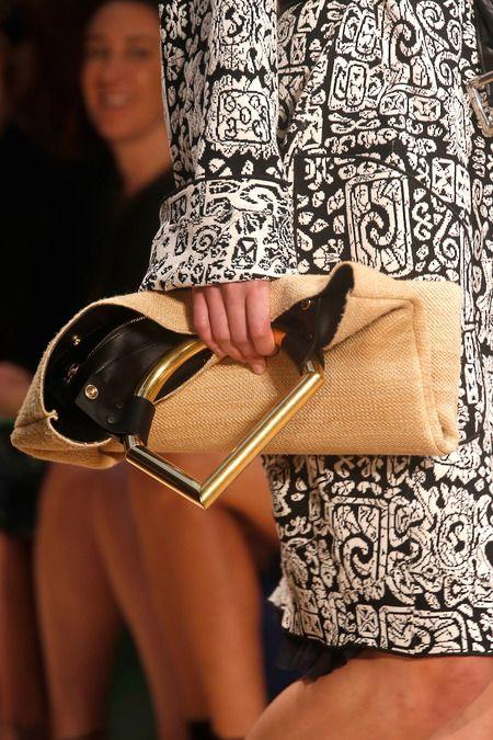 (vía Céline Spring 2014 Ready-to-Wear Collection Slideshow on Style.com)