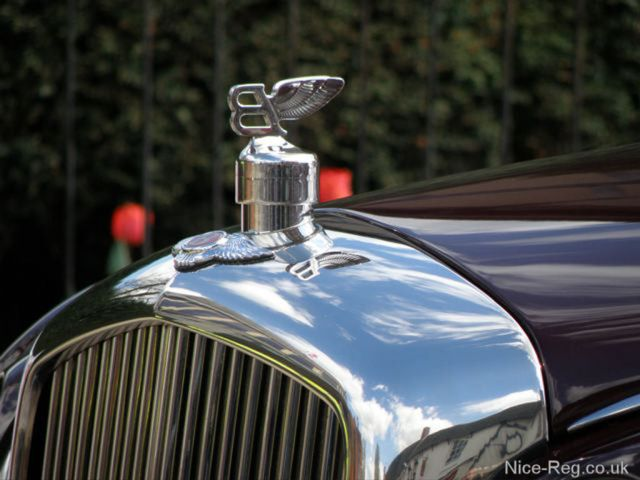 Bentley Flying B bonnet ornament