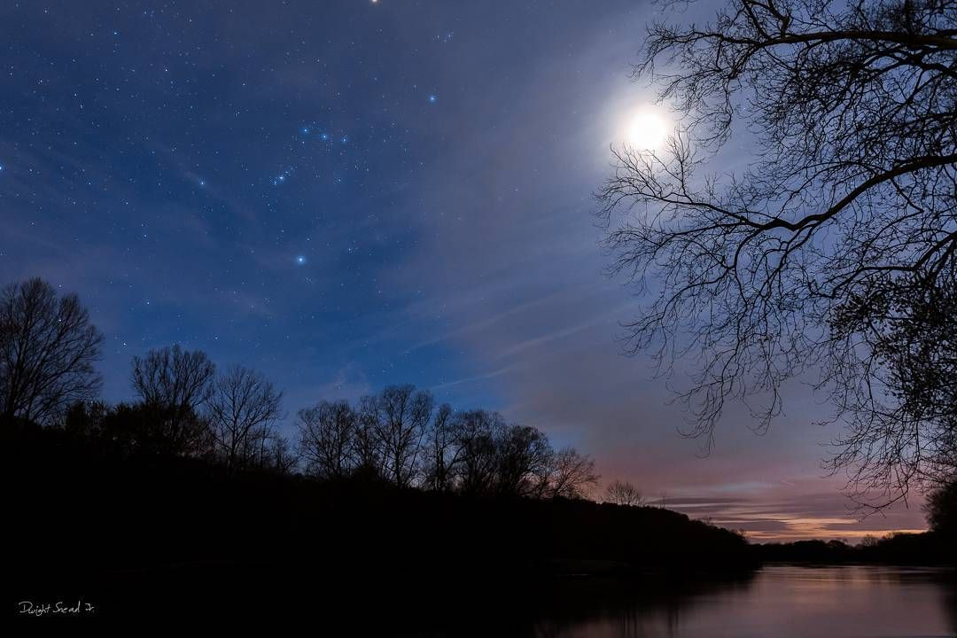#astrophotography in #goochland #virginia #visitvirginia #night #nightphotography #jamesriver #river #water #landscape #trees #clouds #moon #teamcanon #canon #canon70d #bestoftheday #picoftheday #photooftheday #instagood #nocherorva #shoot2kill #longexposure  Had fun #shooting with @mikewhetstone67 and @judedizonphotography by whereisdwight