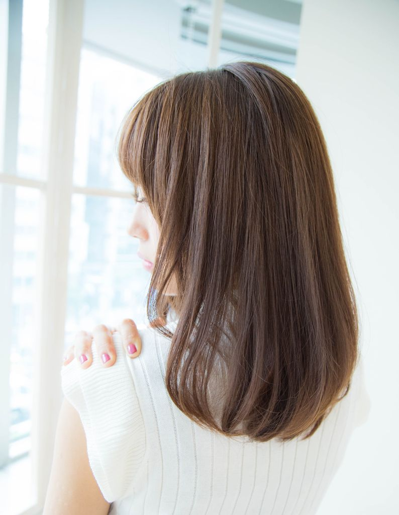 アッシュベージュカラー It048 ヘアカタログ 髪型 ヘアスタイル