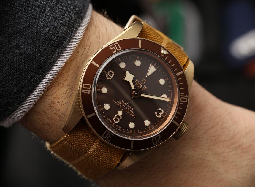 black hands love - Tudor Heritage Black Bay Bronze 79250BM Watch Hands-On Hands-On