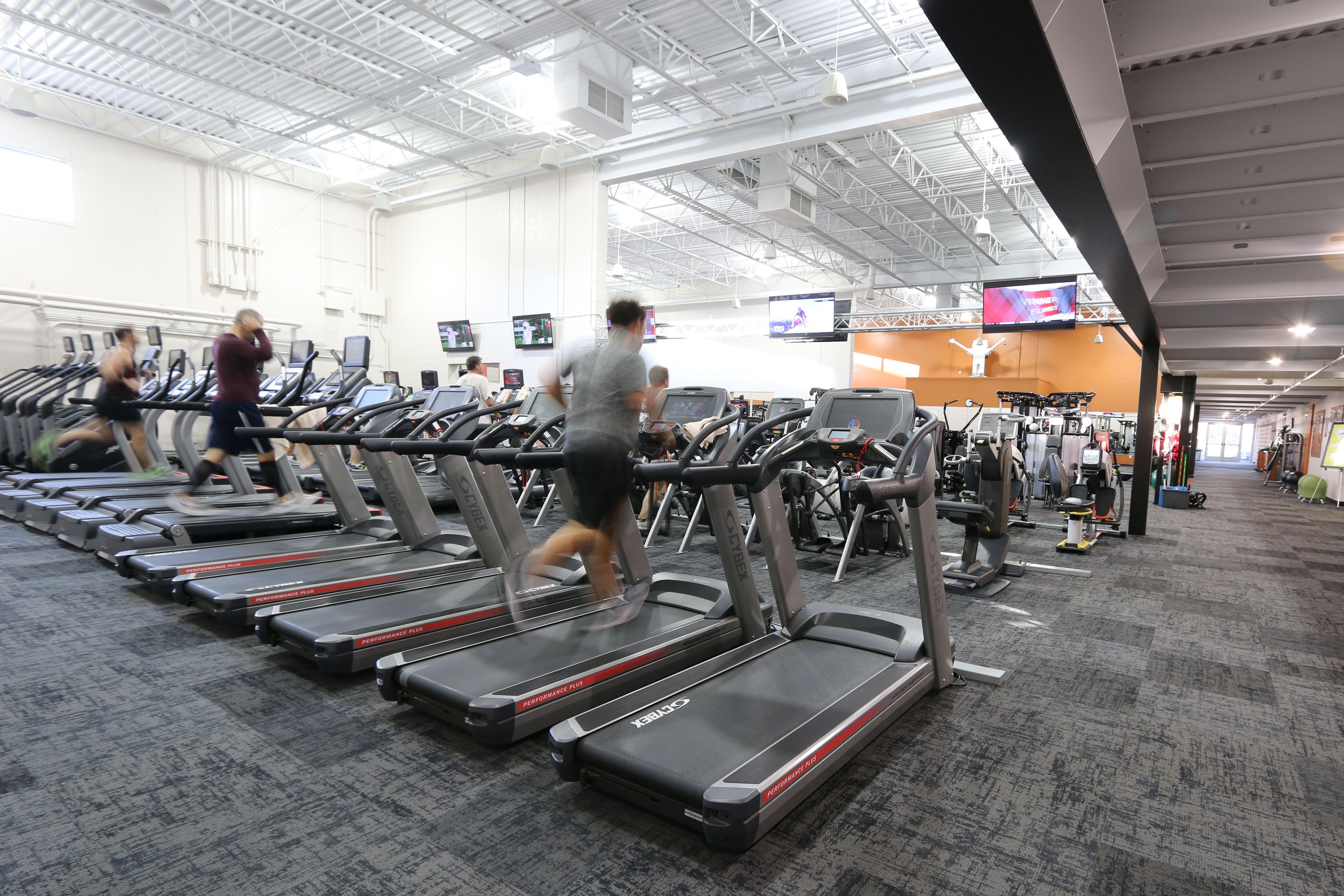Wisconsin Athletic Club Brookfield Fitness Floor Floor Workouts Personal Training Studio Cheer Up