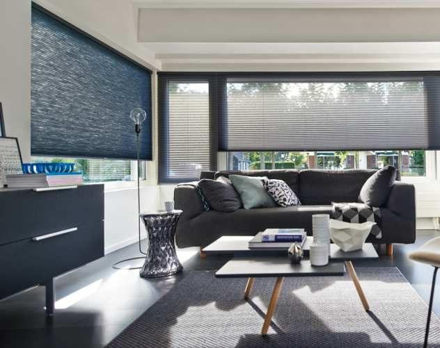 Wohnzimmer Rollos ~ Moderne raumgestaltung mit grauen transparenten plissees fenster
