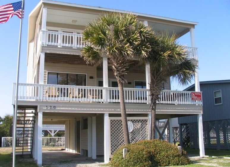 Incredible House Vacation Rental In Ocean Isle Beach From Vrbo Com Home Interior And Landscaping Ferensignezvosmurscom