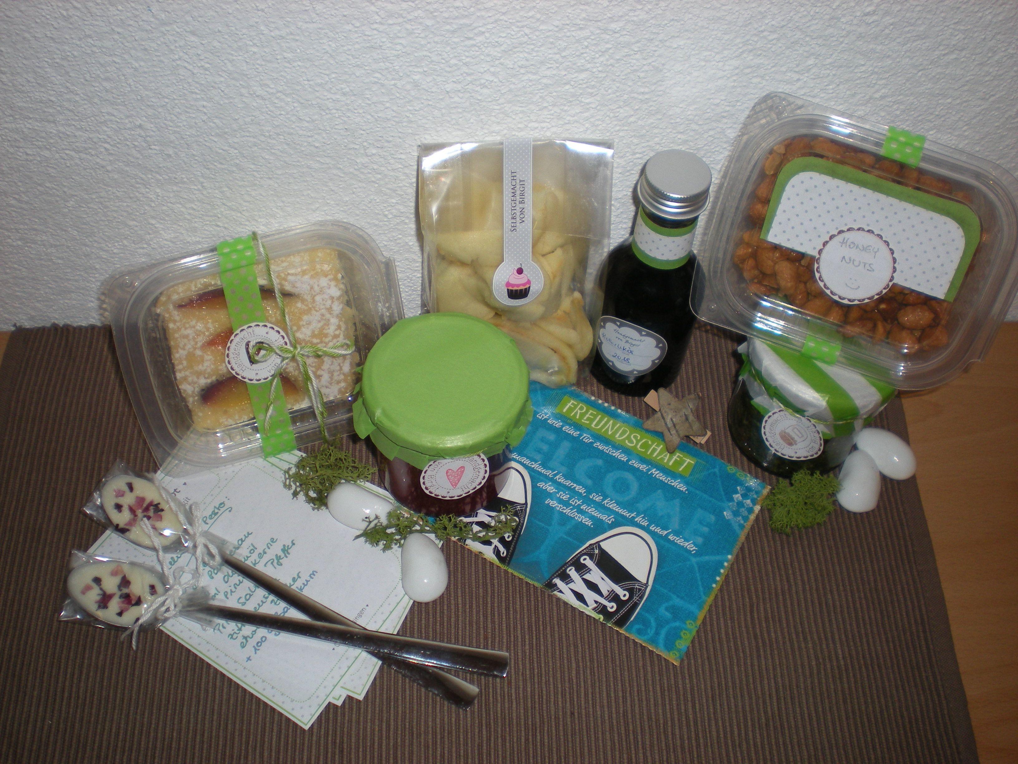- Obstflex  - White-Rose-Goodie  - Glückskekse  - Erdbeer-Aperol-Marmelade  - Holler-Likör  - Honey-Nuts  - Melissen-Basilikum-Pesto