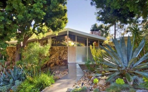 Mcm Home Lovely Landscaping For San Fernando Valley Architecture