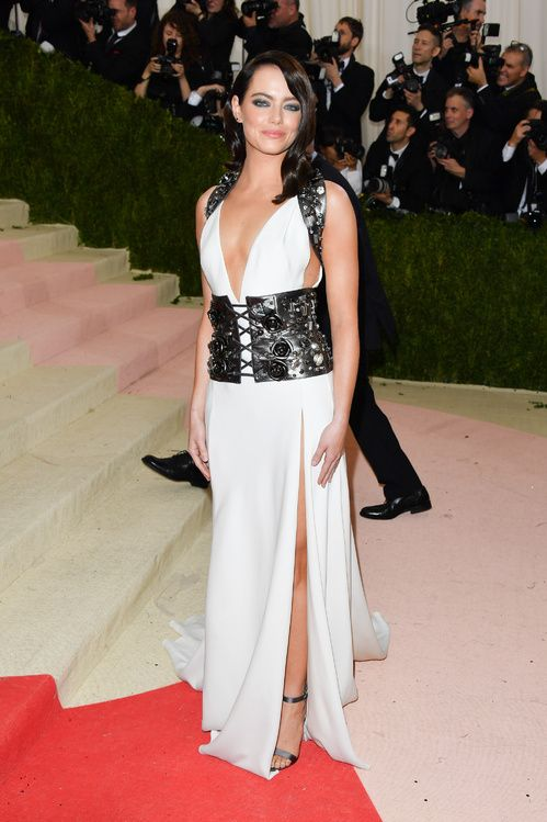 540c2095168a5 Inspiration mariage: les robes blanches du Met Ball 2016 | Awards ...