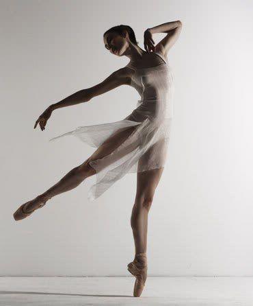 Балерины у станка в эротических позах фото — pic 10