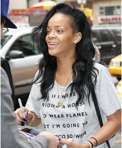 she has no makeup on  rihanna makeup without makeup
