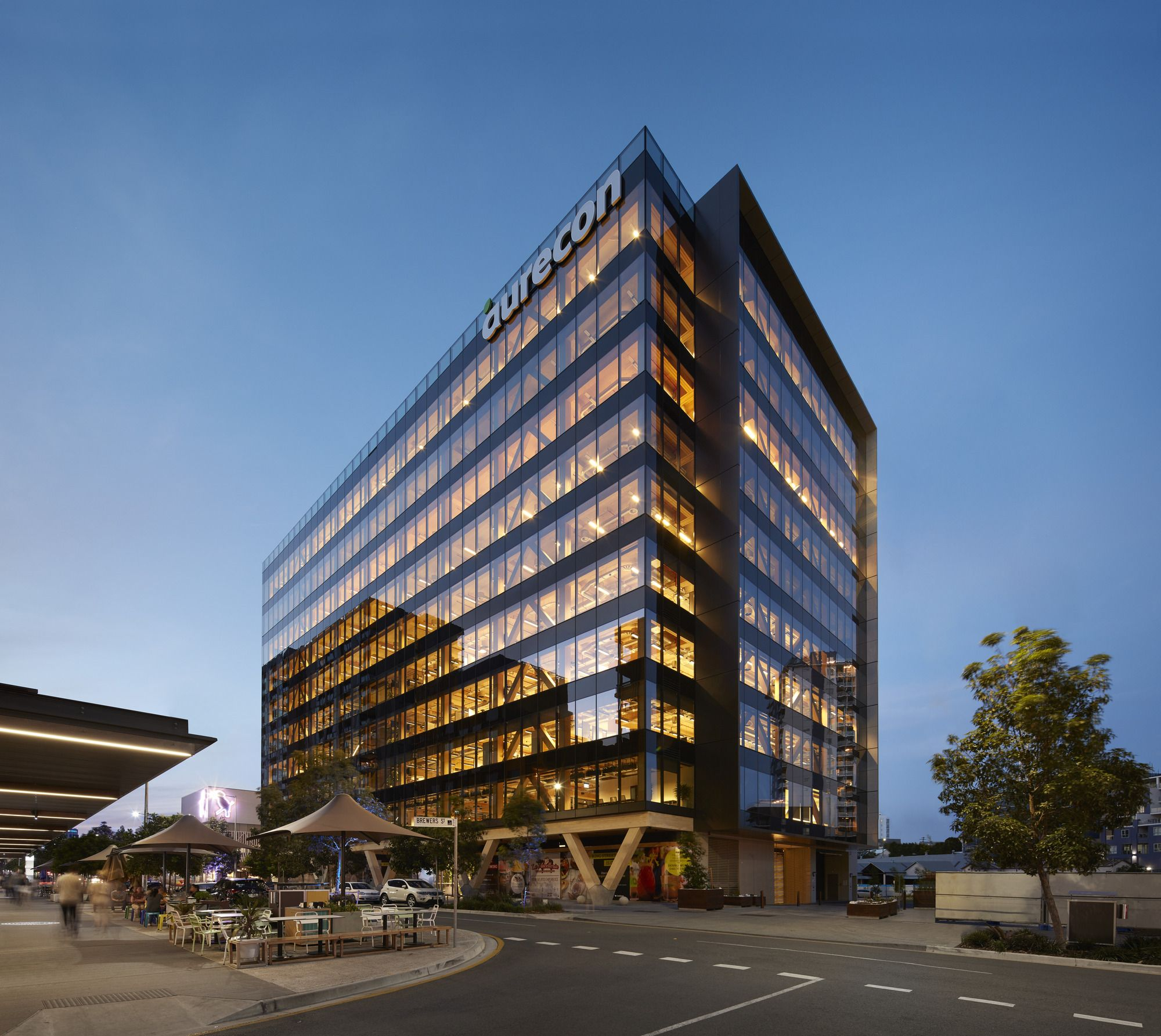 Australia S Largest Engineered Timber Commercial Building Has Opened In Brisbane Designed By Bates Smart At Timber Buildings Glass Building Wooden Buildings
