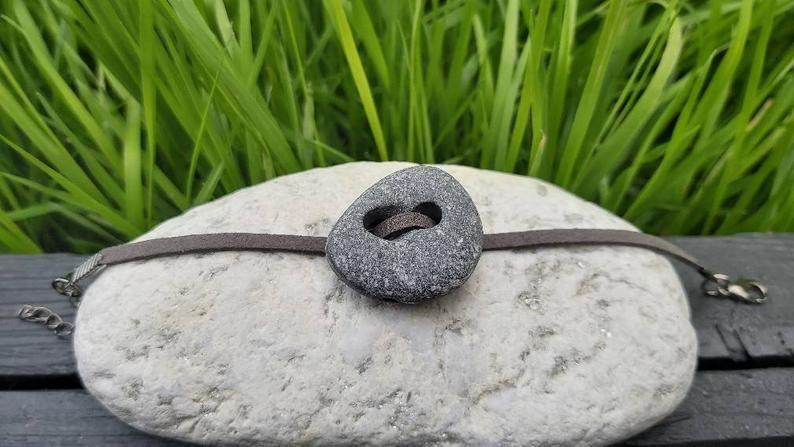 Hag Stone Bracelet Holey Stone Adder Stone Odin Stone Witch Stone Celtic Stone Meditation Stone Pagan Stone Irish Hagstone In 2020 Stone Bracelet Hag Stones Stone Håg has been collaborating with external designers since 1972. pinterest