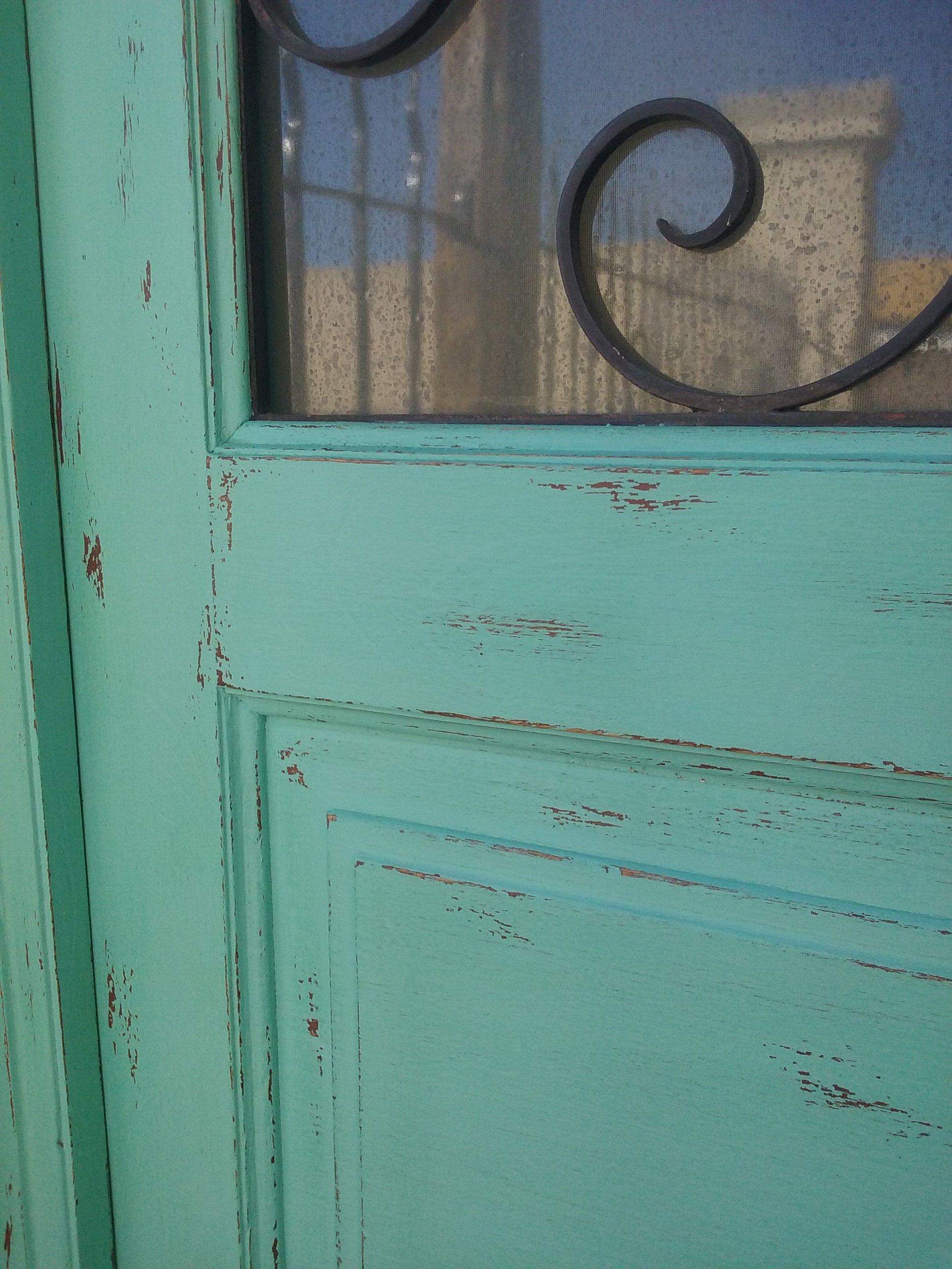 Detalle de puerta pintada. Decapado. Decorar tu casa