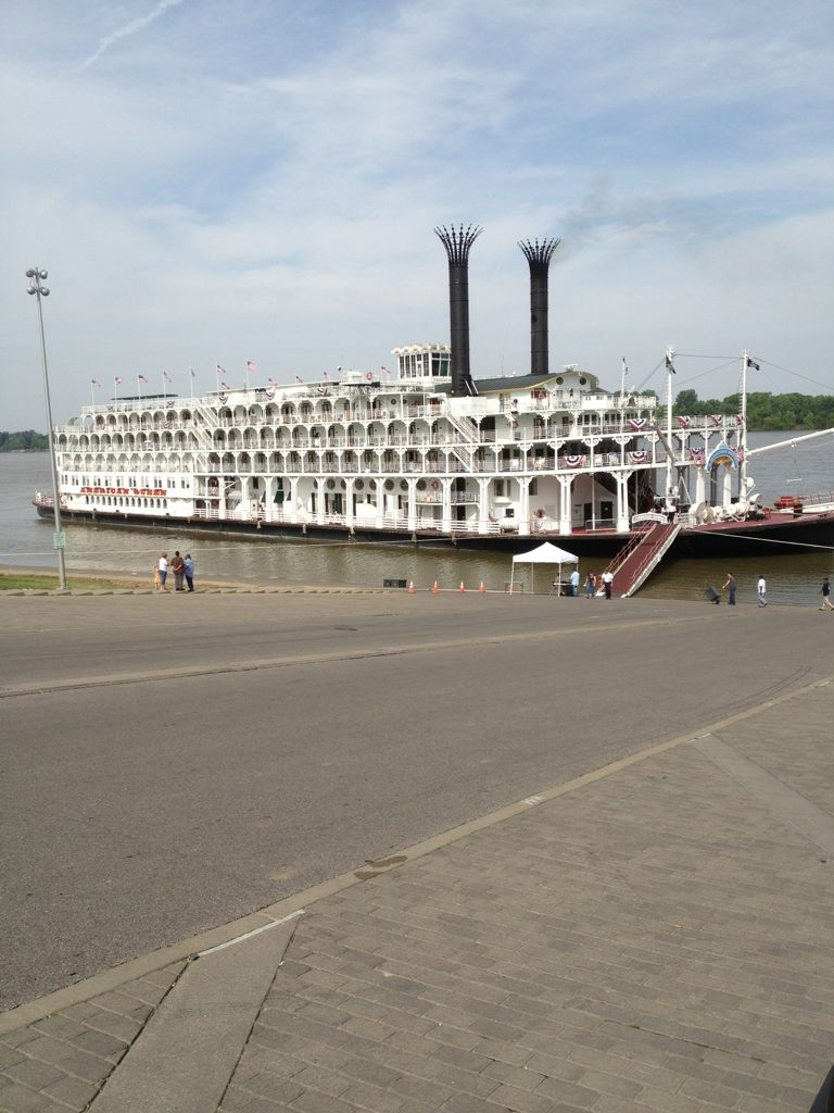 American Queen On The Ohio River At Henderson Ky Henderson