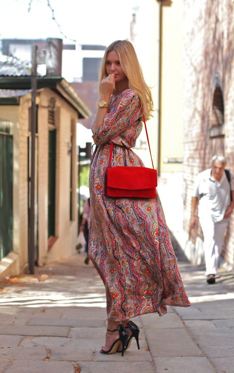 beautiful long dress- love the colours!