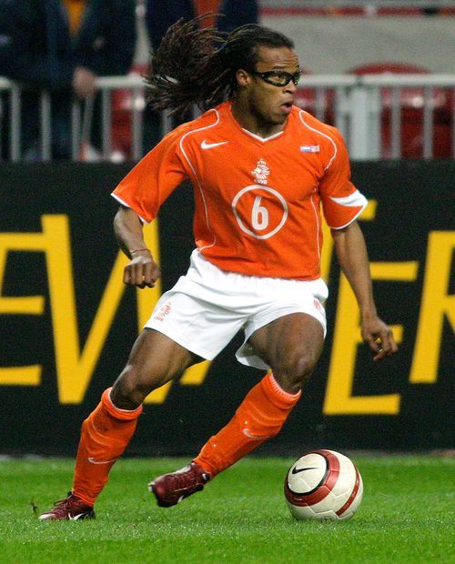 Dutch midfielder Edgar Davids is making a surprise return to the pitch, signing a pay-per-play contract &… | Soccer players, World football, National football teams